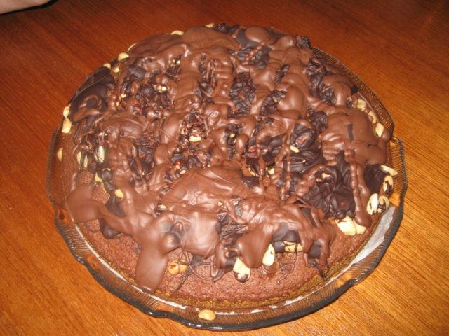 Reseptikuva: Suklaa-suolapähkinäkakku 1