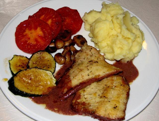 Reseptikuva: Kuhafile Punaviinikastikkeella ja vihanneksilla 6