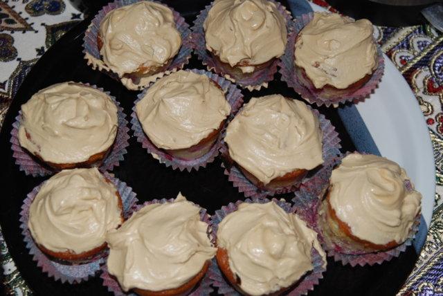 Puolukka-muffinssit