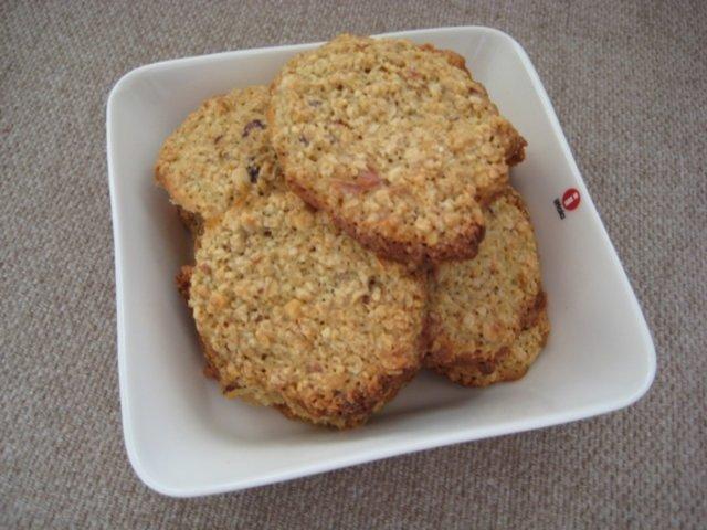 Reseptikuva: Pähkinäiset kaurakeksit 1