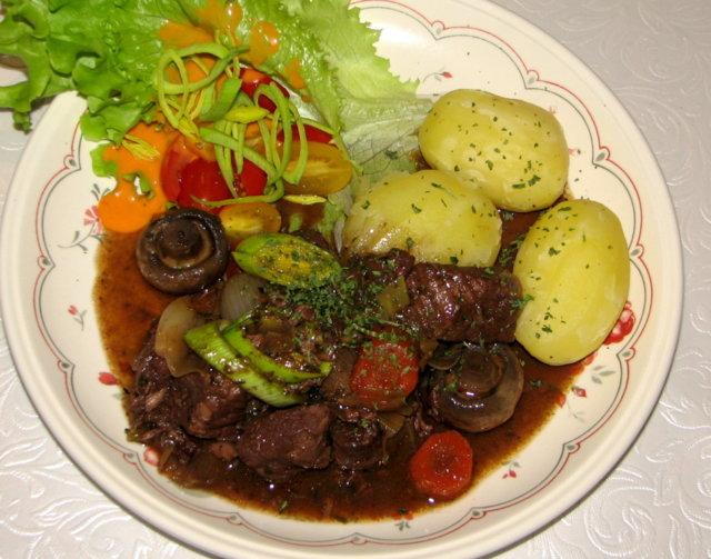 Burgundin Pataa