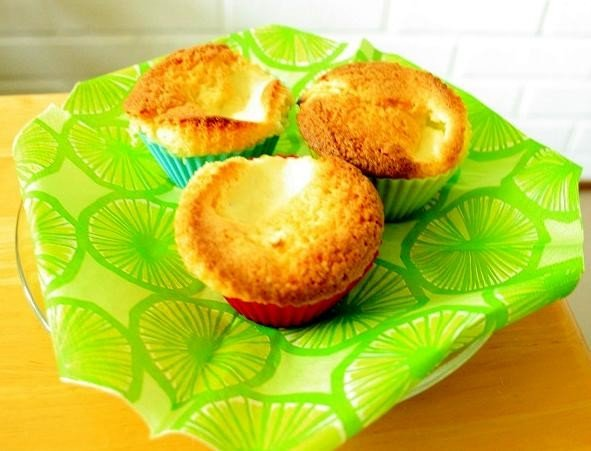 Muffinssit rahkasilmällä 1