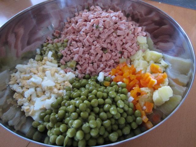 """Salaatti """"Olivje"""" by USSR 3"""
