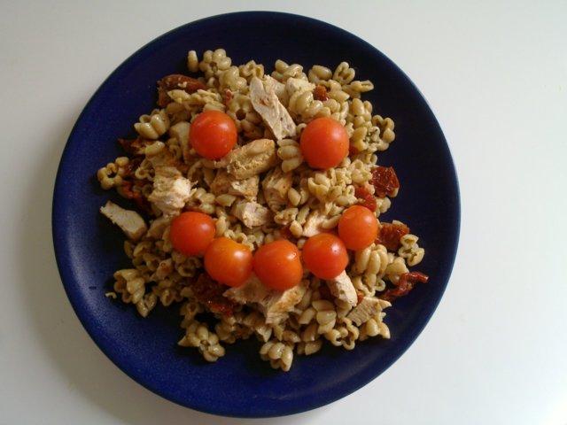 Reseptikuva: Kalkkuna-pasta-salaatti 1