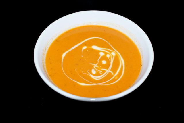 Sipulinen tomaattikeitto 1