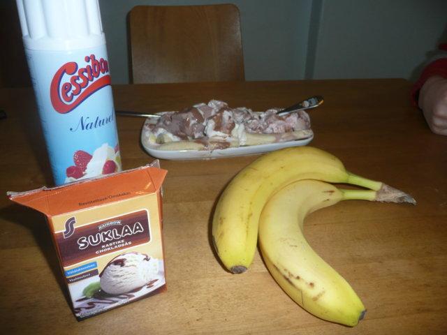Cookeyn banana split! ;)
