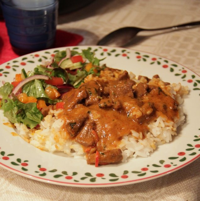 Naudanlihaa Panaeng -curryssa 1