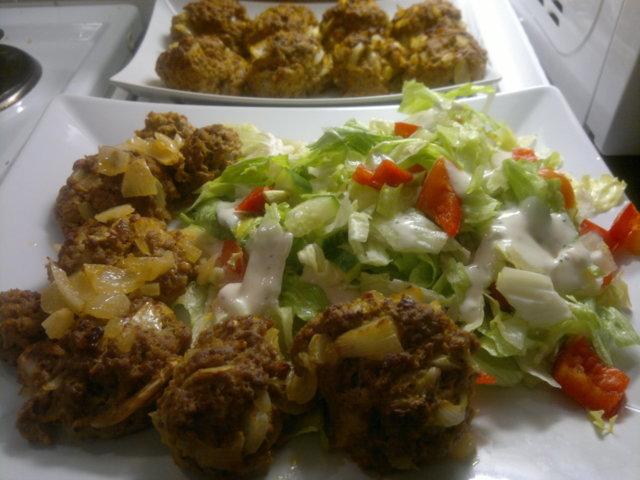 Reseptikuva: Tuliset Lihapullat salaatilla 1