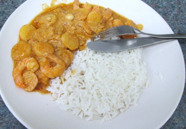 Mausteinen katkarapucurry