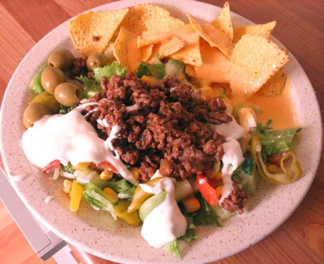 Ruokaisa Tex-Mex salaatti 1