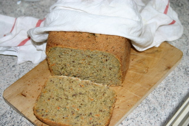 Okun kuituleipä leipäkoneella 1
