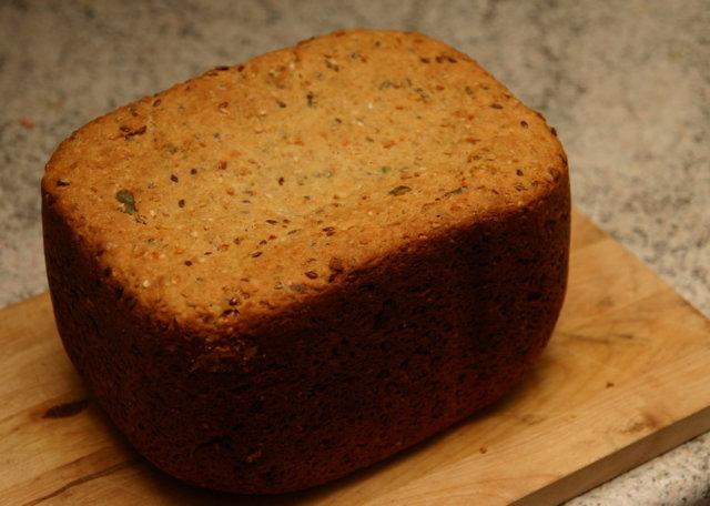 Okun Herkkuleipä leipäkoneella 1