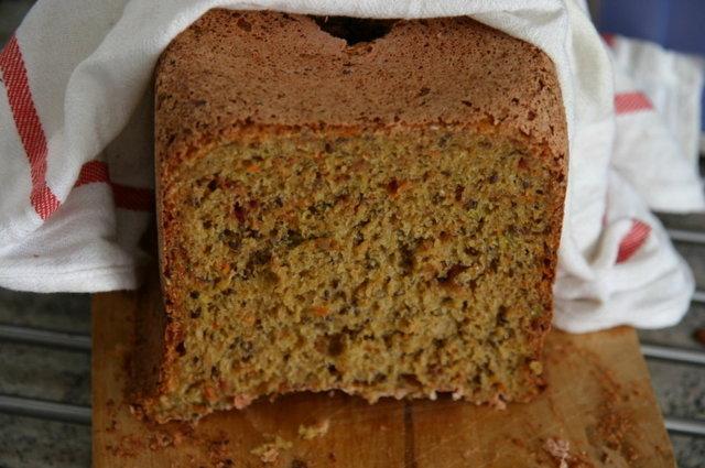 Reseptikuva: Okun punajuurileipä leipäkoneella 1