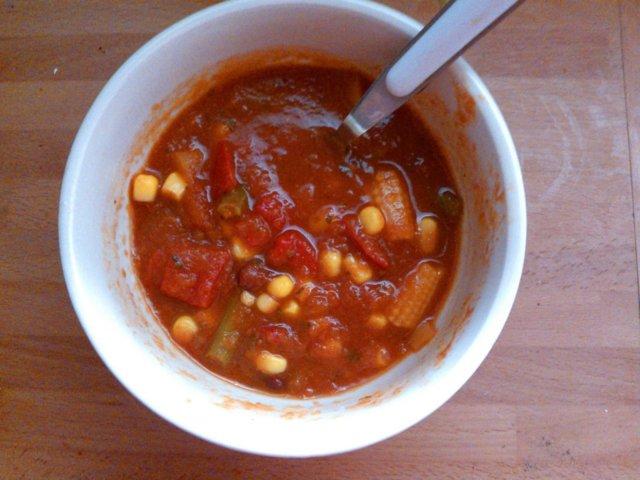 Meksikolaistyylinen tomaattinen kasvispata 1