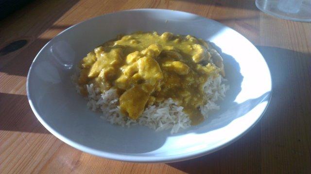 Helppo ja nopea currykastike