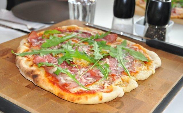 Pizza kaasugrillissä 1
