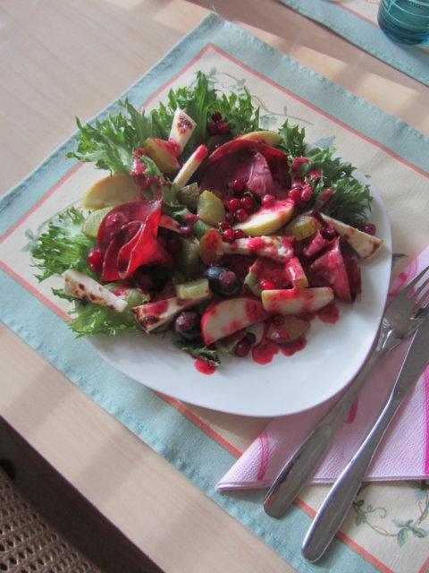 Puolukkainen salaatti 1