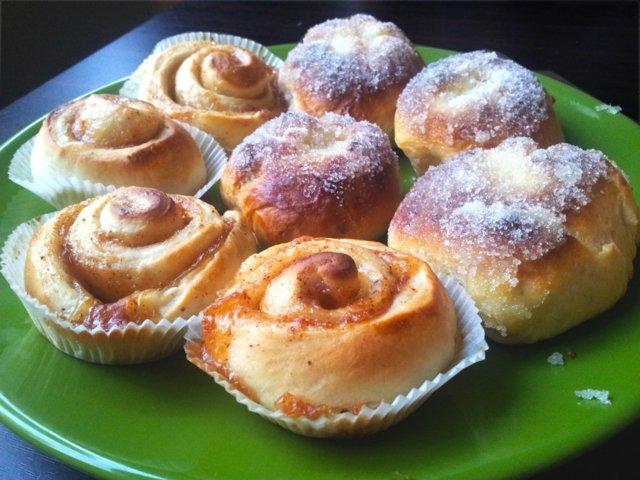 Reseptikuva: Voisilmäpullat ja omenaiset korvapuustit! 1