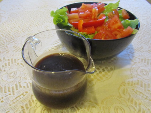 Balsamico-salaattikastike 1