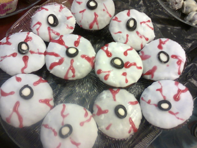Daimmuffinssi Silmät (Halloween-muffinssi) 1