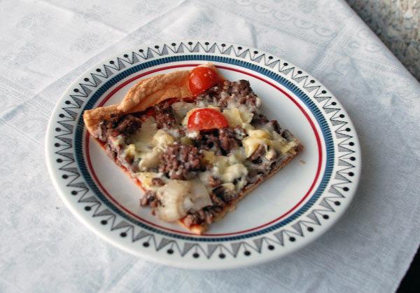 Jauhoton pizza 1