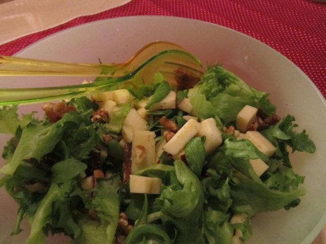 Jouluinen juustosalaatti 1