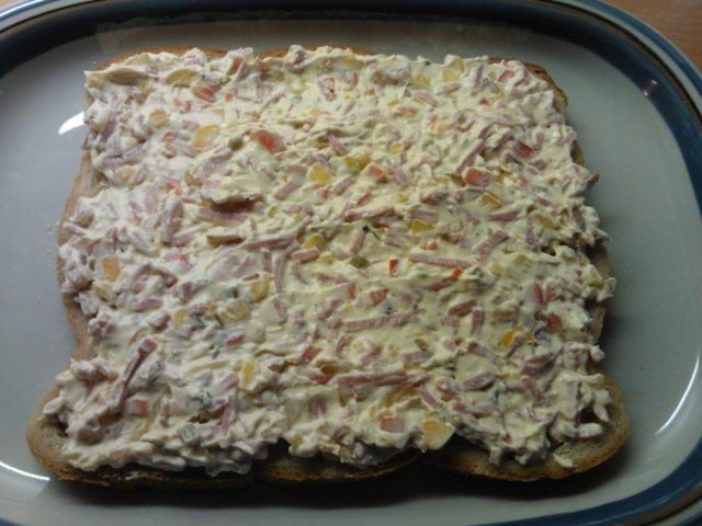 Kinkku voileipäkakku