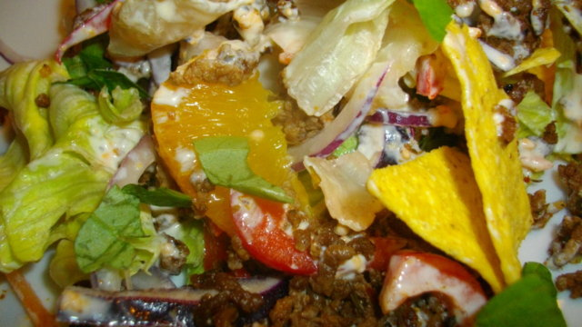 Muchas Nachos Saladas -lihaisampi nachosalaatti 2
