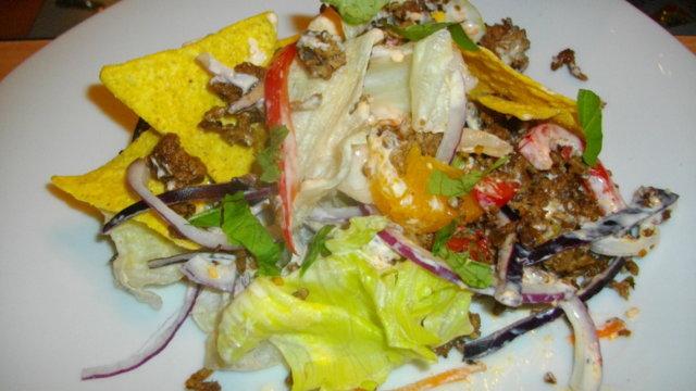 Muchas Nachos Saladas -lihaisampi nachosalaatti 3