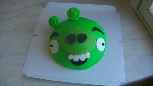 Vihreä Possu -Angry Birds Kakku 2