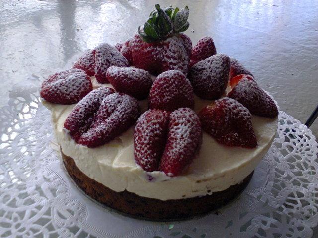 Suklaa Sitruuna Mansikka Kakku 2