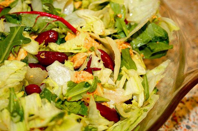 Reseptikuva: Kana & papu salaatti 1