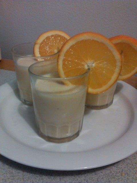 Appelsiini-Banaani smoothie 2