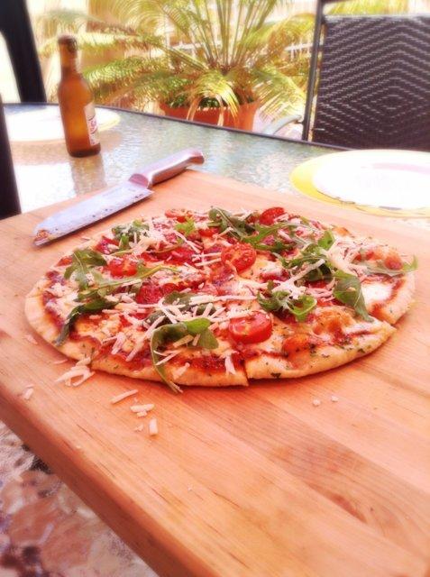 Pizza kaasugrillissä 4