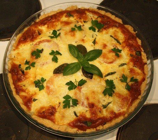 Mozzarella-pinaatti-tomaattipiirakka 1