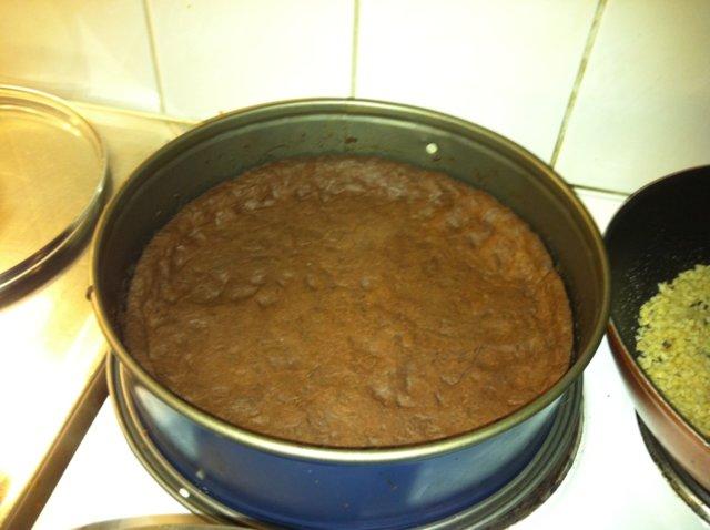 Suklaa-Hasselpähkinäpiirakka 4