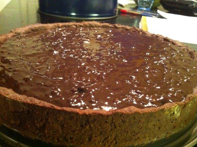 Suklaa-Hasselpähkinäpiirakka 1