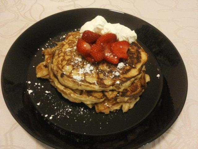 Piimäpannarit (IHOP's Buttermilk Pancakes) 1