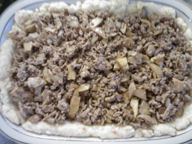 Jauheliha-sienipiirakka 3