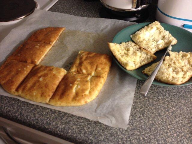 Gluteeniton superherkkuleipä! 1