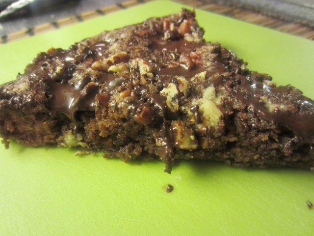 Suklaa-pekaanipähkinäkakku
