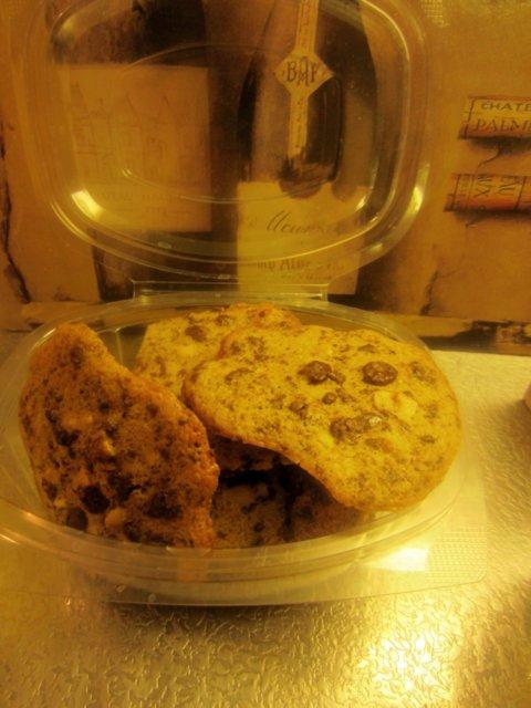Reseptikuva: Gluteenittomat ja maidottomat suklaa-pähkinäkeksit 1
