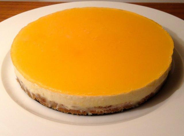 Marianne Appelsiinivalkosuklaa-juustokakku