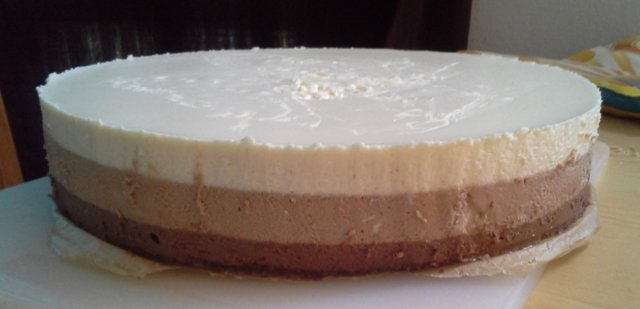 Kolmen suklaan kakku 1