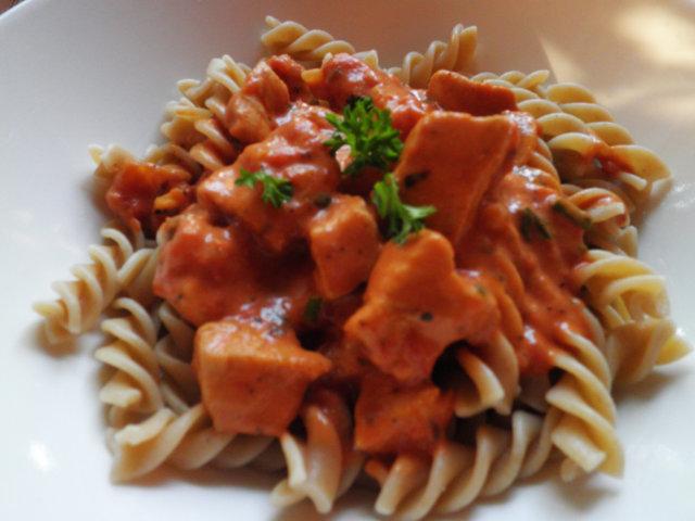Tomaattinen broilerikastike 1