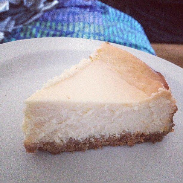 Gluteeniton ja laktoositon juustokakku uunissa