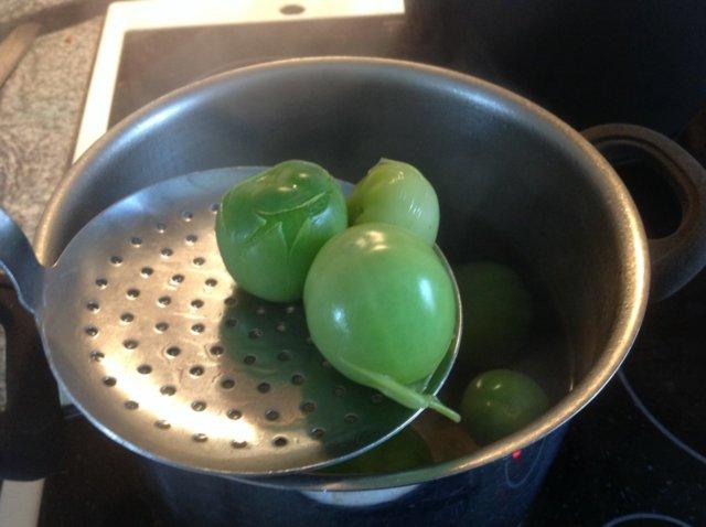 Säilötyt vihreät tomaatit 3