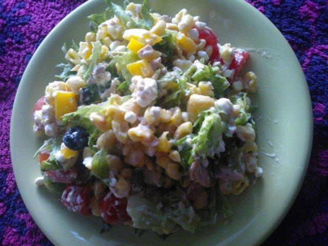 Reseptikuva: Ruokaisa salaatti 1