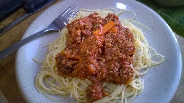 Bolognese-kastike (nopea) 1