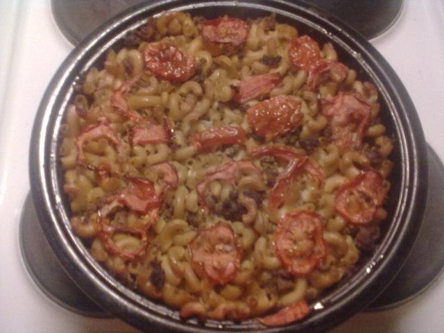 Tomaattinen lihamakaronilaatikko